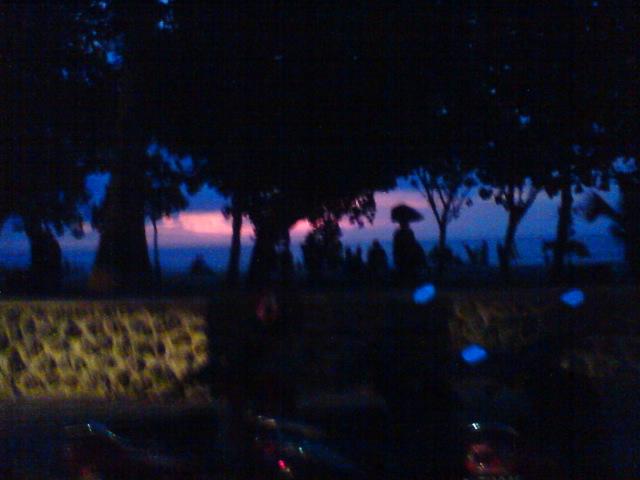 バリの夕陽(o^-^o)